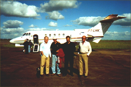Back with a private airplane from Bagé Airport to Rio de Janeiro. From the left to the right, Luiz Eduardo Lages (owner and breeder of Baependi Stud), Mario Belmonte Moglia (Haras Fronteira, the breeder of, among many others, the best sprinter and miler in USA, several times Group 1 winner, PICO CENTRAL), Walter Flores (Haras Espantoso) and Abelardo Accetta (Haras Fidalgo). In the background, with a black shirt, Antonio Joaquim Peixoto de Castro Palhares (Fazenda Mondesir), entering into the aircraft